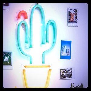 Neon cactus LED Sign